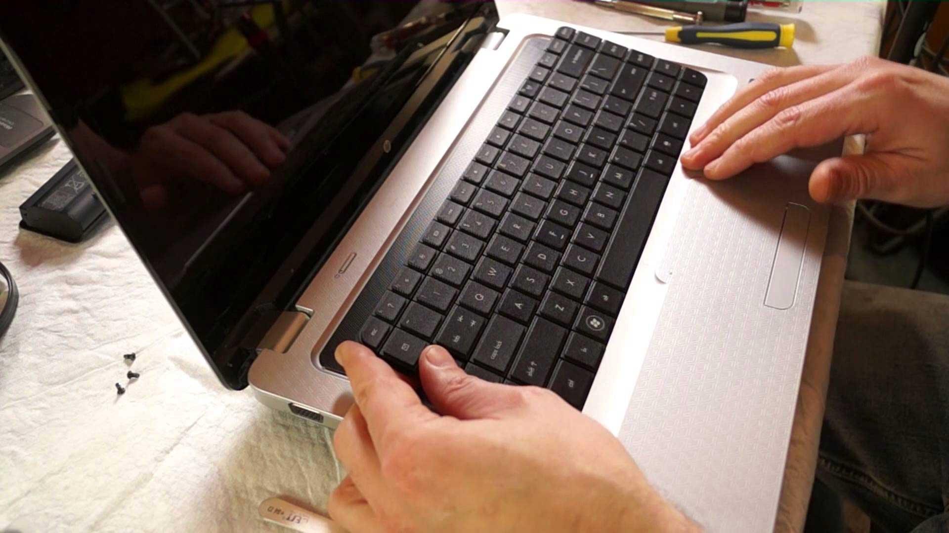 laptop billentyűzet csere