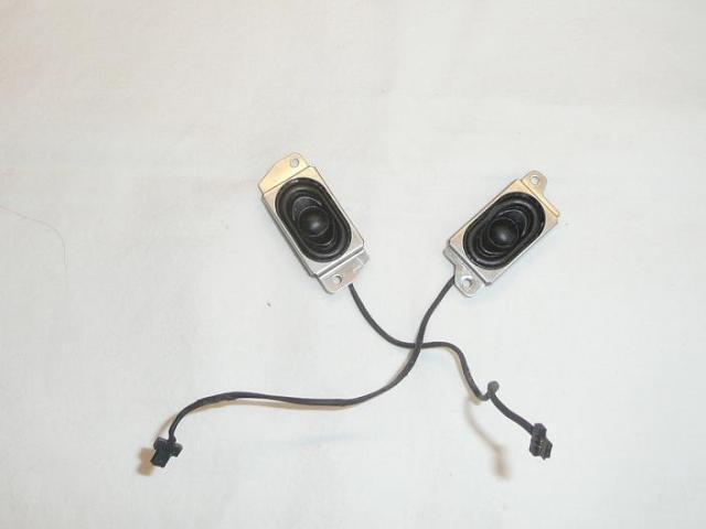 """25N1502 Stereo hangszóró (12.1"""")."""