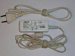 Asus EEEPC 12V 3A fehér használt laptop töltő